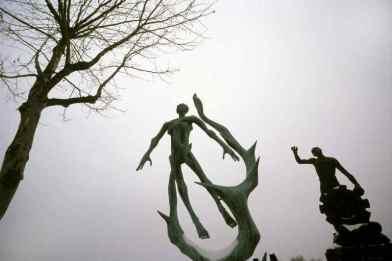 0086_Cimetiere-du-Pere-Lachaise_Statues-de-Paris_Jacques- de-Givry