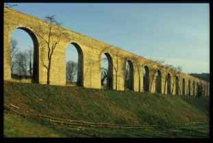 0098_Aqueduc-de Buc-en 1986_Vallee-de-la-Bievre_Jacques-de-Givry